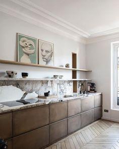 Kitchen Interior, New Kitchen, Kitchen Design, Kitchen Decor, Interior Desing, Interior Inspiration, Kitchen Without Wall Cabinets, Country Look, Chevron Floor
