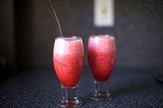 raspberry limeade slushies – smitten kitchen - add raspberry liqueur or whiskey liqueur? Non Alcoholic Drinks, Fun Drinks, Yummy Drinks, Cocktails, Yummy Food, Alcoholic Drinks Restaurant, Restaurant Recipes, Drink Me, Slushies