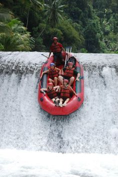 ...Mental rafting in the Bali Jungle... definitely a must do... i so love to do this again here... wonderful adventure and memories... yaay...