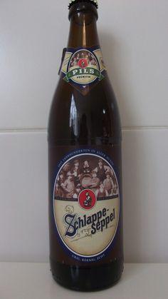 Cerveja Schlappeseppel Pils, estilo German Pilsner, produzida por Eder & Heylands Brauerei, Alemanha. 5.1% ABV de álcool.