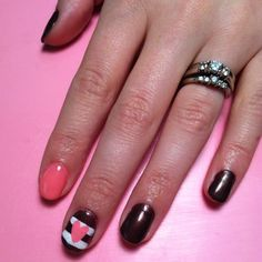 ~Valentines Day Nail Art! With red, black and white? Or khaki.