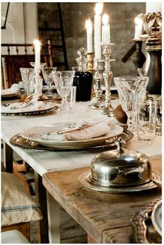 Elegant and beautiful. One of my favorite thus far! French Country House, French Farmhouse, Le Vieux Logis, Dresser La Table, Beautiful Table Settings, Deco Table, Rustic Elegance, Decoration Table, Cool Ideas