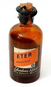 Es una droga depresora, que se empezó a utilizar en el siglo XIX como anestésico en las intervenciones quirúrgicas.