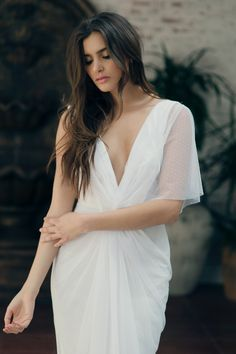 Maribel gown from Noel and Jean's Entre Nous Collection by Katie May. Perfect for the boho bride who craves simplicity. Photography by Nicole Hill.