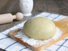La pasta matta è un impasto di base, ideale per torte salate e strudel. Questa pasta è simile ad una pasta brisè, con la differenza che utilizza l'olio d'oliva al posto del burro, e come risultato si ha una pasta molto più leggera e digeribile, che per giusta ha un...