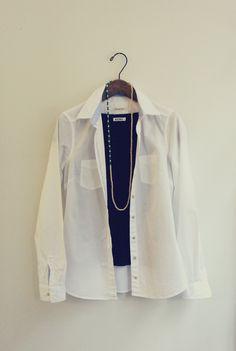 Canna necklace - one-point for black and white fashion. White Fashion, Rain Jacket, Windbreaker, Blazer, Black And White, Summer, Jackets, Women, Down Jackets