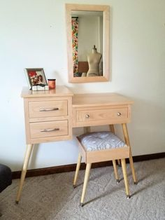Mid Century Modern Makeup and Vanity Table Inset Drawers Modern Makeup Vanity, Makeup Table Vanity, Vanity Room, Makeup Tables, Vanity Ideas, Furniture Vanity, Custom Furniture, Modern Furniture, Apartment Decorating For Couples