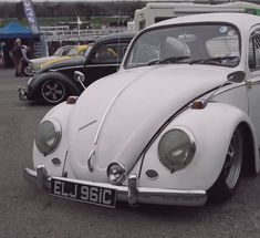 Volksworld 2019 Some more footage from Volksworld Show club display area. Superb display Volkwagen Beetles, Trekker and Notch Back. Check out the latest Aircooled Life Apparel on Vw Bus, Volkswagen Beetle, Beetle Car, Vw Classic, Classic Trucks, Ford Transit Campervan, Custom Vw Bug, Cute Cars, Top Cars