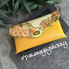 Cluth handmade. Info and price list...  WA. 081939450851 Fb. Paras ayu Ig. @parasayugalerry