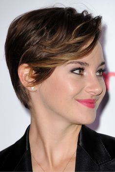 Short Haircuts with Bangs for Women in 2021 Short Haircuts With Bangs, Short Hairstyles For Women, Short Hair Cuts, Bob Hairstyles, Short Hair Styles, Really Short Hair, Shailene Woodley, Short Pixie, My Hair