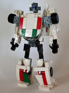 G1 Transformer Wheeljack (mini figure scale / transformable): A LEGO® creation by alex wong : MOCpages.com