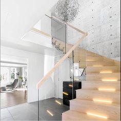 Happy Friday everyone💫 stairway to heaven🙌🙌 Cred; @ninavj_81  Takk for at du bruker taggen #dittlillehjerterom @mittlillehjerte 🙏🙏 ________________________ #home #homedesign #homestyle #homestyling #homedeco #homedecor #design #designhome #interiør #interior #interiørstyling #interiorstyling #interiordesign #scandinaviandesign #scandinavianhome #scandinavianstyle #scandinavianinterior #scandinavianliving #scandinaviandecor # #nordichome #nordicdesign #nordicstyle #nordicliving…