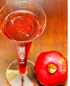 5 Aphrodisiac Cocktails That Will Get You In The Mood: Avery's Secret | YourTango