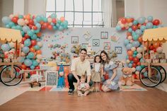 "O Primeiro Ano do Lipe – Tema ""Brinquedos"" Birthday Decorations, Birthday Party Themes, Boy Birthday, Ideas Para Fiestas, Lets Celebrate, Baby Party, First Birthdays, Party Supplies, Baby Shower"