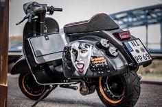 Retro Scooter, Scooter Custom, Scooter Girl, Custom Bikes, Vespa Ape, Vespa Lambretta, Scooter Garage, Vespa Motor Scooters, Vespa Px 150