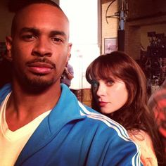 Damon and Zooey New Girl Cast, Watch New Girl, New Girl Tv Show, New Girl Series, Tv Series, New Girl Funny, Best Comedy Shows, Nick And Jess, Good Kisser