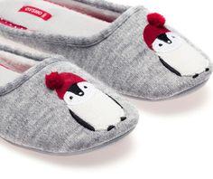 Penguin mule slippers - OYSHO