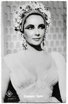 British American, Private Life, Golden Age Of Hollywood, Elizabeth Taylor, Cleopatra, American Actress, One Shoulder Wedding Dress, Beautiful Pictures, Marriage