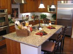 Home Staging Tips: Kitchen Staging Checklist Kitchen Staging, Kitchen Decor, Kitchen Ideas, Kitchen Designs, Kitchen Lighting Design, Home Staging Tips, Cherry Kitchen, Kitchen Pictures, Wood Cabinets