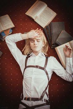 Armin Arlert from Shingeki no Kyojin cosplay. Cosplay Meme, Aot Cosplay, Epic Cosplay, Amazing Cosplay, Cosplay Costumes, Armin, Levi X Eren, Fanart Manga, Anime Manga