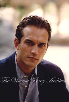 Vincent Perez - look at those lips Queen Of The Damned, Star Francaise, Male Eyes, Classic Man, Brigitte Bardot, Good Looking Men, Man Candy, Man Crush, Movie Stars