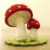 DIY Amigurumi Toadstool - FREE Crochet Pattern / Tutorial