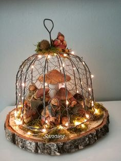 Make the most beautiful autumn and winter decorations yourself. – DIY ideas Source by Related posts: The BEST Do it Yourself Halloween Decorations {Spooktacular Halloween DIYs, Handmade Crafts and Projects! Diy Crafts To Do, Fall Crafts, Halloween Decorations, Christmas Decorations, Holiday Decor, Christmas Bulbs, Christmas Crafts, Hedgehog Craft, Ideias Diy