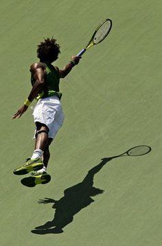 Gael Monfils Gael Monfils, Tennis Photos, Play Tennis, Roger Federer, Tennis Players, Tennis Racket, Black Men, Grass, Athlete