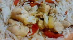 Arroz con pollo macerado en curry y verduras. Tahona Artesanal Gourmet Bilbao.