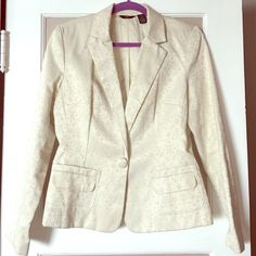 Beautiful brocade blazer off white office fabulous So elegant and chic! Perfect for date night, office holidays parties, or networking meetings. The color and detail look beautiful together and the jacket is in great condition. Padded shoulders, button closure at front, flap pockets, fully lined. Would fit a medium or a large. I'm clearing this closet OUT! Make an offer! Mossimo Jackets & Coats Blazers
