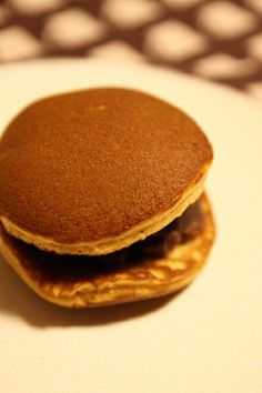 Japanese sweets, Dorayaki pancake with azuki bean filling どら焼き
