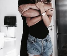 Si un jour j'ai envie de prendre de la distance avec toi, je t'en prie, ne m'écoute pas et retiens moi. Ne me laisse jamais partir. Promets-le moi.
