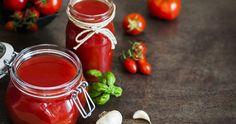 Sauce Tomate, Tomato Sauce, Hot Sauce Bottles, Basil, Herbs, Jar, Vegetables, Food, Sauces