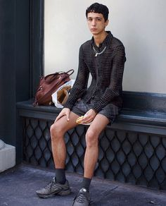 Black shorts, shirt and sneakers + chain, In love with this look captured by @thesartorialist