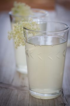 Elderflower and Cinnamon Lemonade - deliciousfire.com
