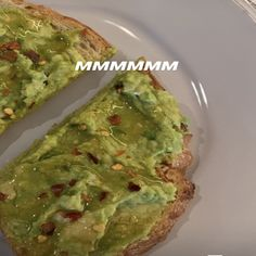 "This past weekend, Kylie uploaded an Instagram story where she shared her favorite way to make avocado toast, and a lot of people were like, ""UM, honey???"" Avacado Toast, Avocado, Kylie Jenner, Honey Toast, Food Cravings, Yummy Drinks, Food Pictures, Food Print, Recipes"