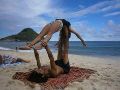 Acroyoga/ praia da macumba-RJ