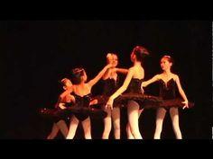 Apresentação de Dança - Ballet Infantil - Academia Carla Lazazzera