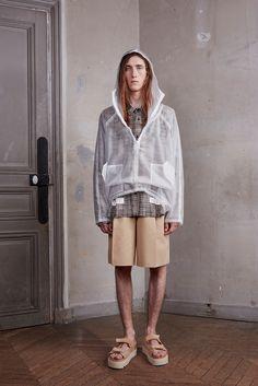Off-White Spring/Summer 2016 Menswear Collection Male Fashion Trends, Sport Fashion, Fashion Show, Unisex Fashion, Urban Fashion, Mens Fashion, Off White Designer, Paris Fashion Week, Off White Virgil Abloh