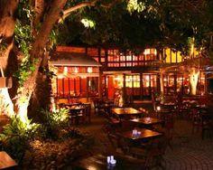 Pé de Manga, São Paulo. Great Outdoor Bar located at Vila Madalena. Nice Drinks and beautiful people