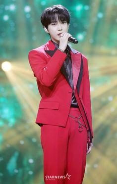 Taeyong, Jaehyun, Asia Artist Awards, Nct Doyoung, Fandom, Kim Dong, Boyfriend Material, Pop Group, Nct Dream