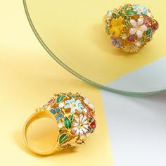 🍃🌼 The Locket Cocktail Ring 🌼🍃 A sphere of carved flowers which opens to reveal the perfect place to keep your secrets! Still Life Photography, Statement Rings, Cocktail Rings, Pastels, Perfect Place, Cocktails, Carving, Jewellery, Floral