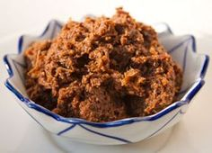 A delicious recipe for homemade Massaman Curry Paste (Nam phrik kaeng masaman). This is a popular muslim-style curry from Southern Thailand. Temple of Thai recipes.