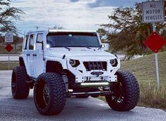 Save by Hermie Jeep Wrangler Sport Unlimited, Jeep Rubicon, Jeep Wrangler Tj, Jeep Jk, Cool Jeeps, Cool Trucks, Chevy C10, Chevy Trucks, Four Door Jeep