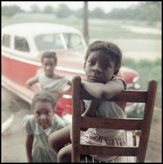 Lost for more than 50 years since they were featured in Life magazine, Gordon Parks's stunning images show daily life for one Alabama family in the shadow of race riots, bus boycotts and the fight for civil rights Gordon Parks, American Women, African American History, American Life, American Art, Tina Modotti, Walker Evans, Barack Obama, 1950s