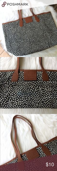 ALDO polka dot tote Gently pre-owned, faded look, has some signs of wear (see 2nd picture), but overall in good condition, perfect to use as a beach tote 💕 Aldo Bags Totes