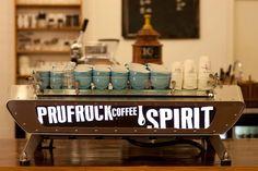 Prufrock Coffee - Leather Lane, Chancery Lane or Farringdon. London Coffee Shop, Best Coffee Shop, Great Coffee, Coffee Geek, Coffee Art, Coffee Time, Blue Coffee Cups, Cafe Restaurant, Restaurant Interiors