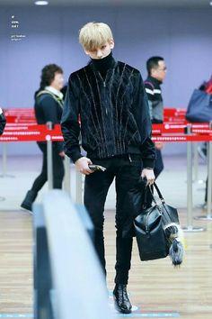 Bambam Got7 Airport style