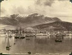 Hobart from on board a boat in Sullivans Cove, taken by famous local photographer 'Beattie', in 1900