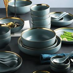 KINGLANG 2 or 4 or 6 person set Golden edge plates Ceramic Dinnerware Set NEW Blue Golden Ceramic Tableware Set – Tableware Design 2020